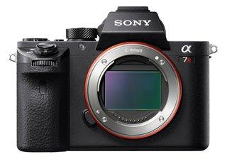 Alpha 7 R II | Spiegellose Vollformat-Kamera ( 42,4 Mp, 0,02s AF, optische 5-Achsen-Bildstabilisierung im Gehäuse, 4K HLG Videoaufnahmen)